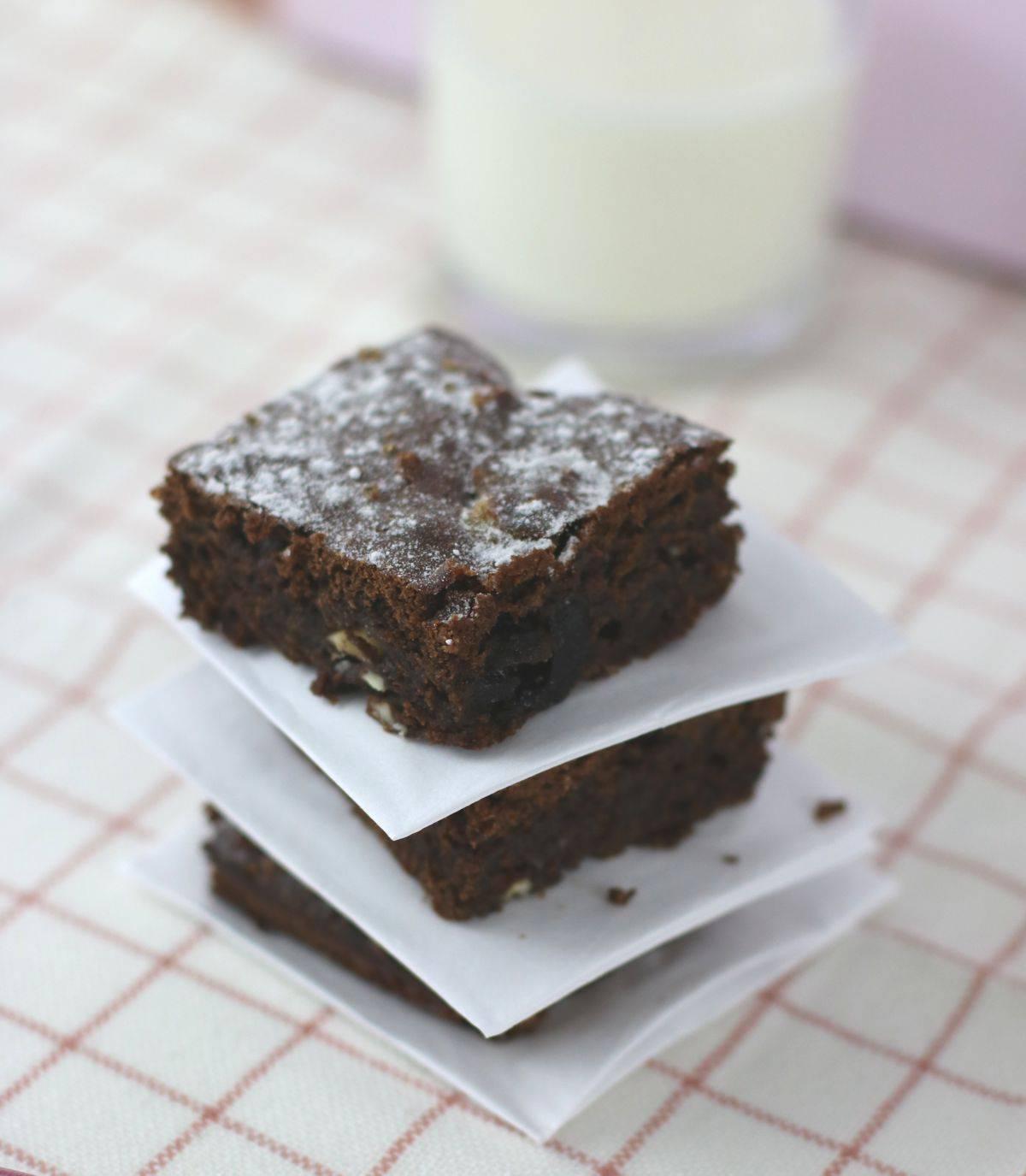 Brownies mit Amarenakirschen