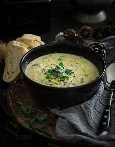 schnelle Hackfleisch-Käse-Suppe mit Lauch