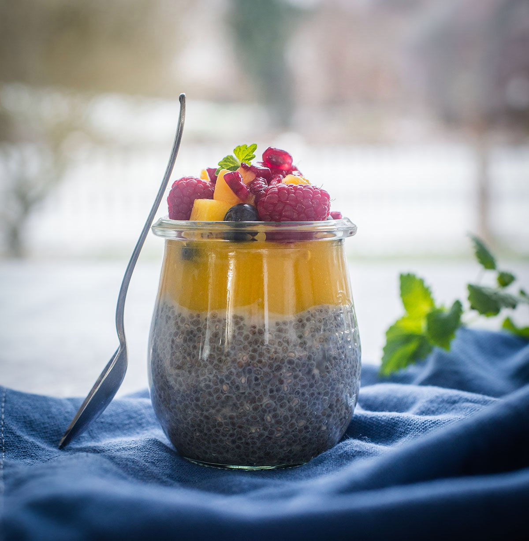Chia-Pudding mit Mangomousse eine tolle Fruehstuecksidee