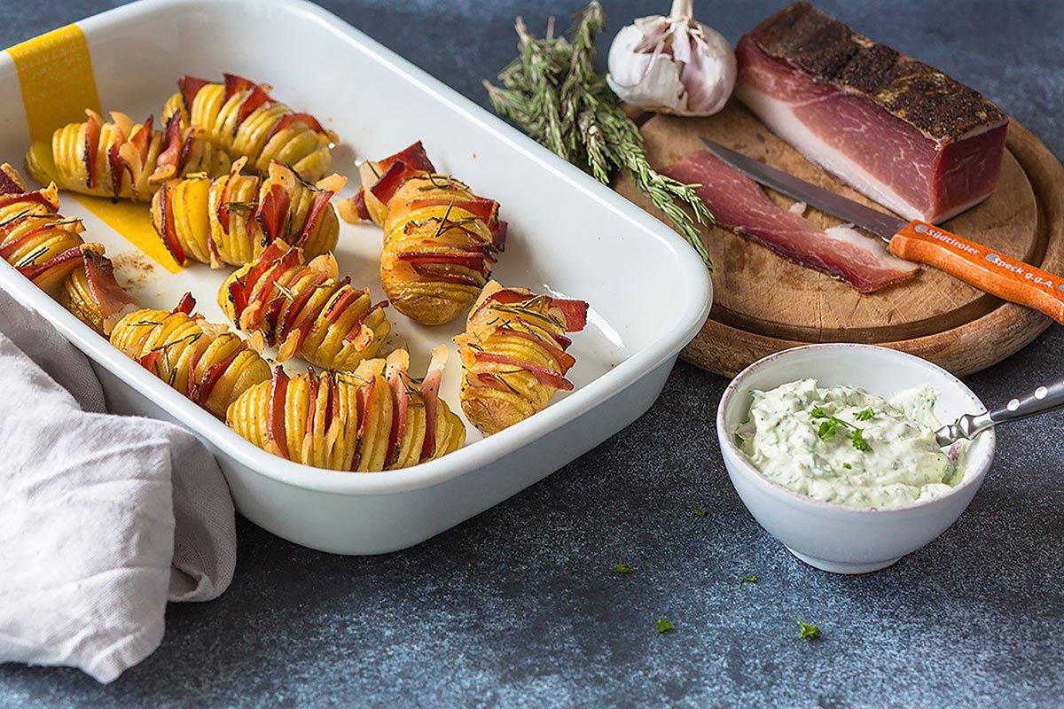 Fächerkartoffeln mit Südtiroler Speck und Rosmarin