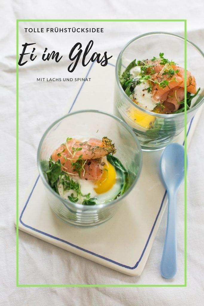 tolle Frühstücksidee: Ei im Glas mit Lachs und Spinat