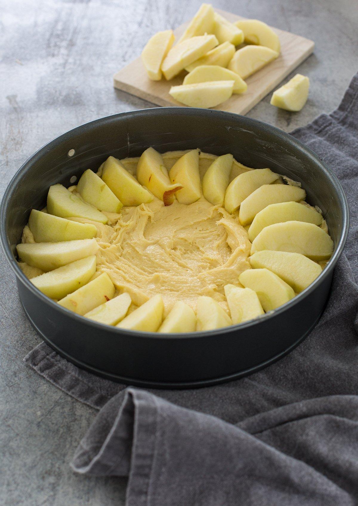 einfacher saftiger Apfelkuchen