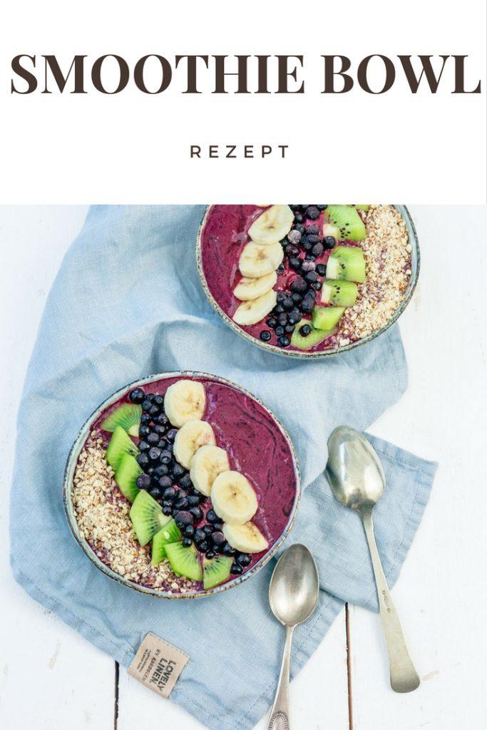 Tolles Rezept für eine gesunde Smoothie Bowl mit wilden Blaubeeren. Ein absolutes Powerfrühstück.