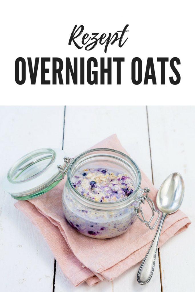 Rezept für Overnight Oats mit wilden Blaubeeren. Auch für den Thermomix geeignet.
