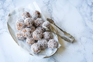 Carrot Cake Energy Balls aus dem Buch Aromenfeuerwerk vegetarisch – so lecker