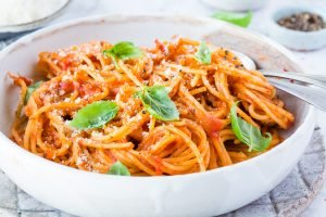 Thermomix Spaghetti Napoli – einfaches All In One Gericht